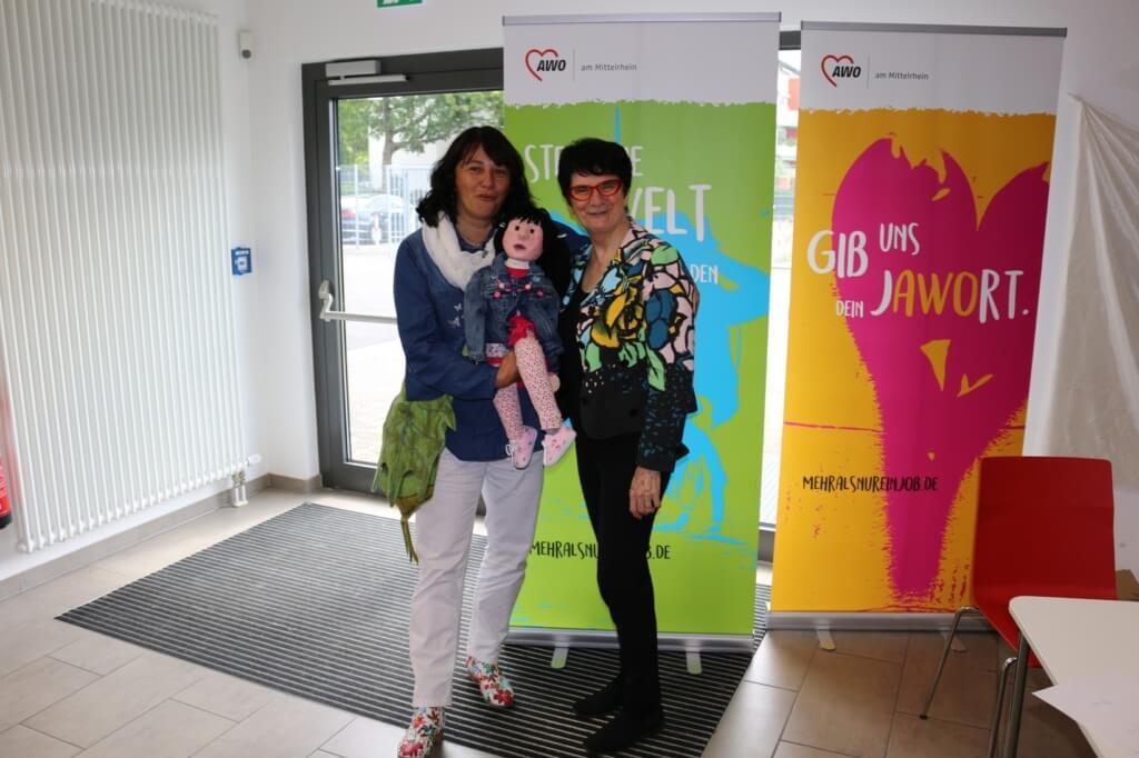 Anna und Gabi treffen Maria Aarts beim Fachtag der AWO in Troisdorf